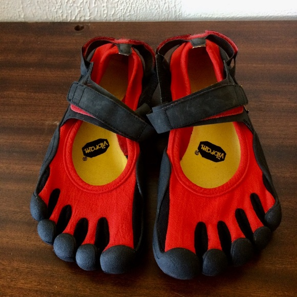 competitive price c9548 55ed1 Women s Vibram Fivefingers SPRINT Running Shoes. M 5baa8d71dcf855d887aec417